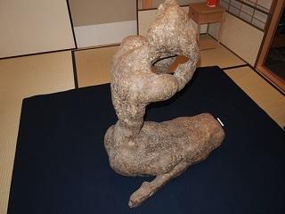 20121222大坂一成彫刻女性横
