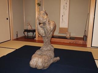 20121222大坂一成彫刻女性前