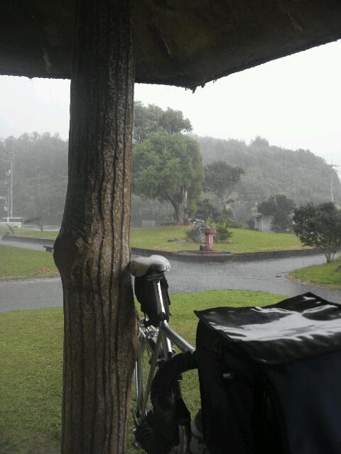 ここだけ?豪雨