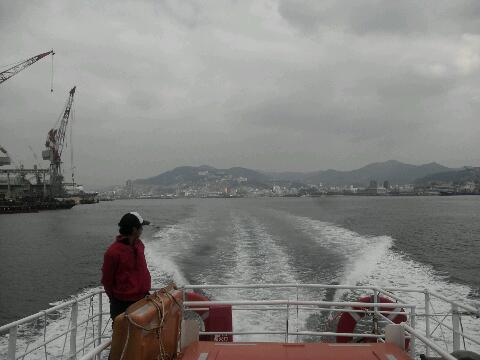軍艦島 出発。