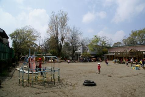 2006-11-04 25年度4月園庭風景、めだか 002 (800x536)