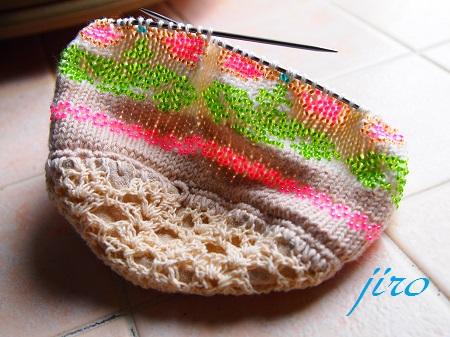 ビーズ編みバッグ-輪針…ラトビアミトン模様の巾着.2