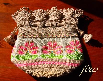 ビーズ編みバッグ-ラトビアミトン模様の巾着2