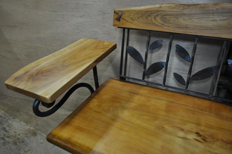 なす高原 じざい工房 小林康文の素材を活かす家具づくり