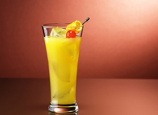 top_10_most_famous_alcoholic_cocktails_Screwdriver-cocktail.jpg