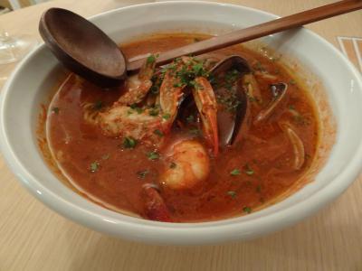 槿 魚介とカニ味噌のブイヤベース風トマトラーメン