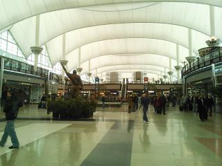 デンバー空港にて