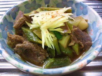 イノシシ肉と山ウドの炊合せ