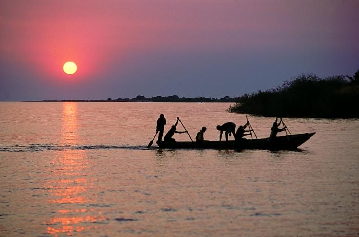 ブルンジ タンガニーカ湖