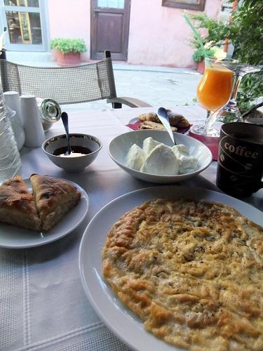 エデッサ_宿で朝食