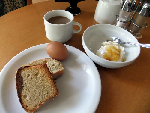 アテネ_「セシルホテル」の朝食 (1)