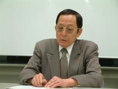 講師の川崎五郎理事長