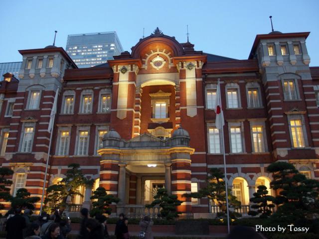 ライトアップ 東京駅