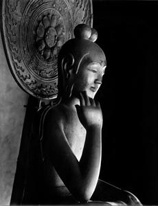中宮寺菩薩半跏像