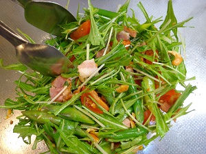 水菜サラダ(カシューナッツ入り)10