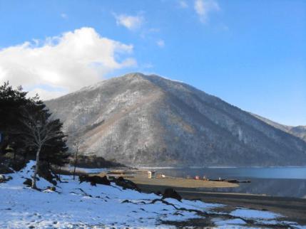 本栖湖から竜ヶ岳