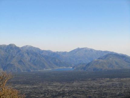 樹海、西湖と三ッ峠山
