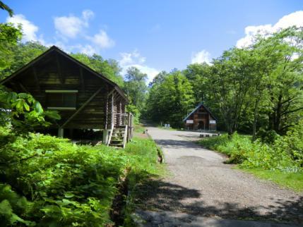 自然園休憩舎