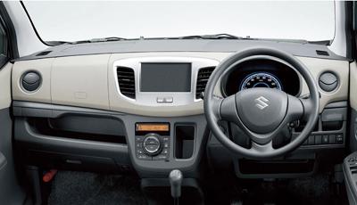ワゴンR FXの運転席