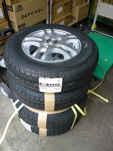 タイヤ交換 002-1