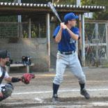 4回表、河本が適時三塁打を放つ