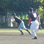 7回表、佐藤がゴロ捕球後、自ら二塁ベースを踏み試合終了