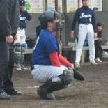 4回表、緊急事態によりマスクをかぶった波田野