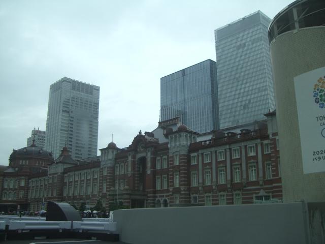 東京駅 駐車場へ