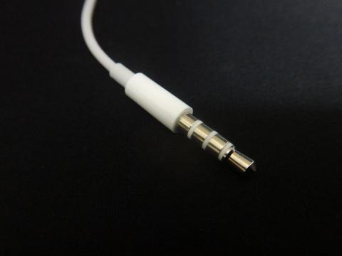 EarPods_09.jpg