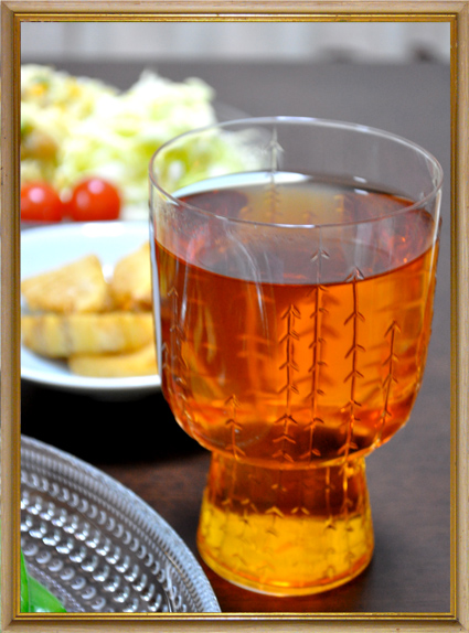 サルヤトン グラス