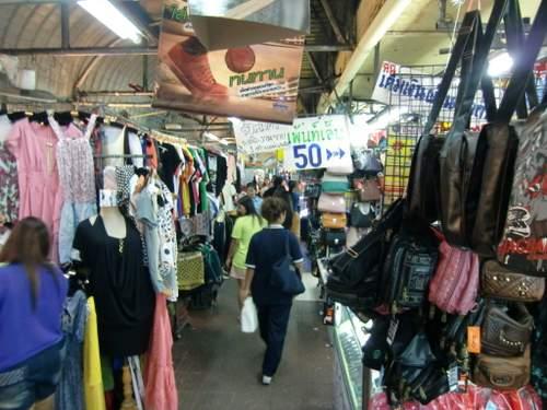 通りの商店2