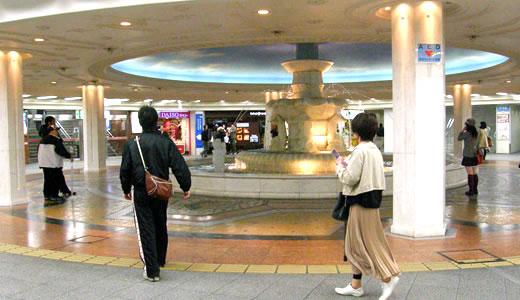 大阪梅田地下街ウォーク(2)-2