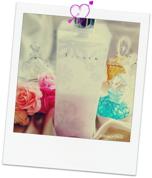 花柄をあしらったソープ ディスペンサー【firuro】