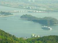 岡山港から小豆島行きの定期船が出港