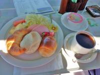 テラス ランチは『橅』ブナ手作りパンのコース美味し~い!!