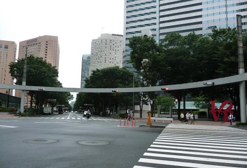 2012.07.21-2新宿アイランドタワーのアイランドパティオ前
