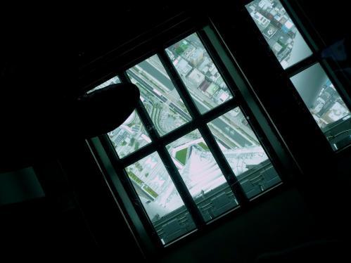2012.07.21-34東京スカイツリーの展望デッキのガラス床