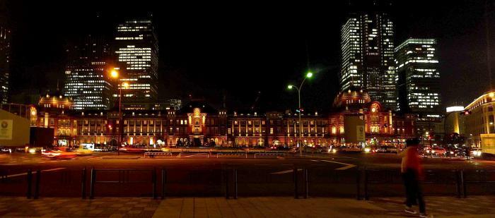 夜の東京駅2012年全景
