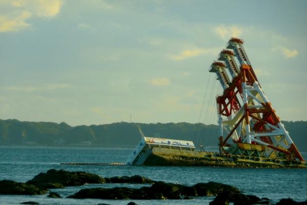 バスの中から〜座礁した船2013-2