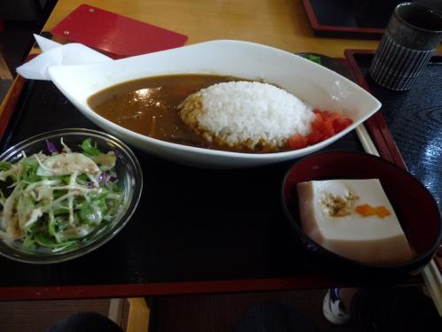 2012.08.04-高野山へ-高野山駅 駅前にて02