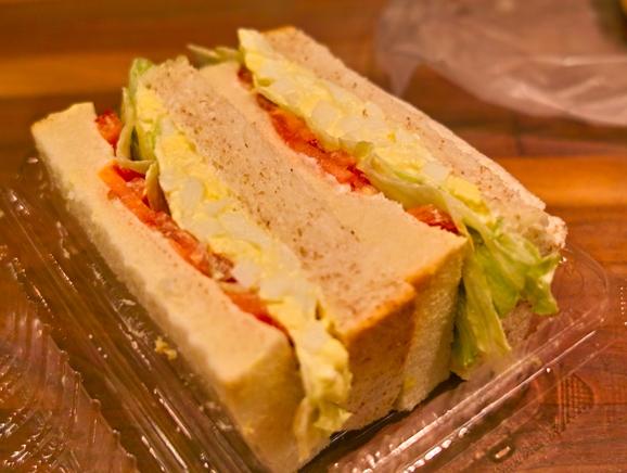 4<br />パン