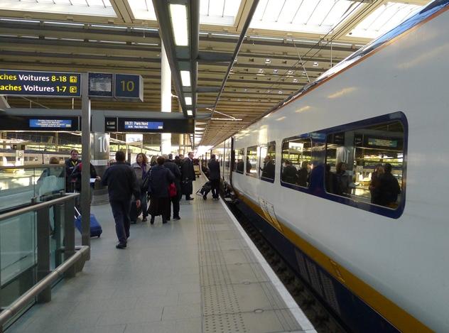 11駅にて