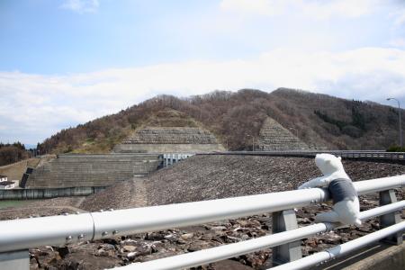 ダムの下側
