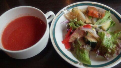 ブライトンのスープとサラダ