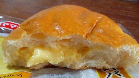 ヤマザキ高級クリームパン