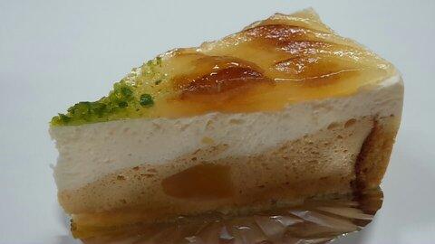ツリートップ洋梨ケーキ