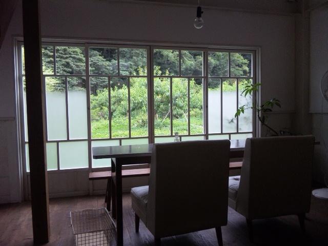 KURARIの窓辺席