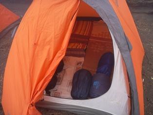 テントとマットとシュラフはパッケージ。