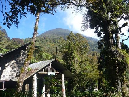 Kandang Badakから見るパンゴランゴ