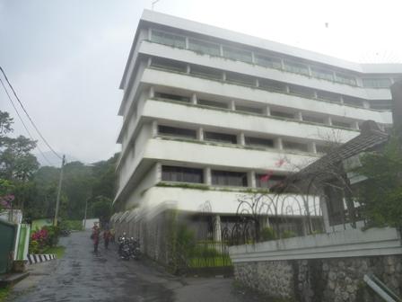 36 トレテスの立派なホテル